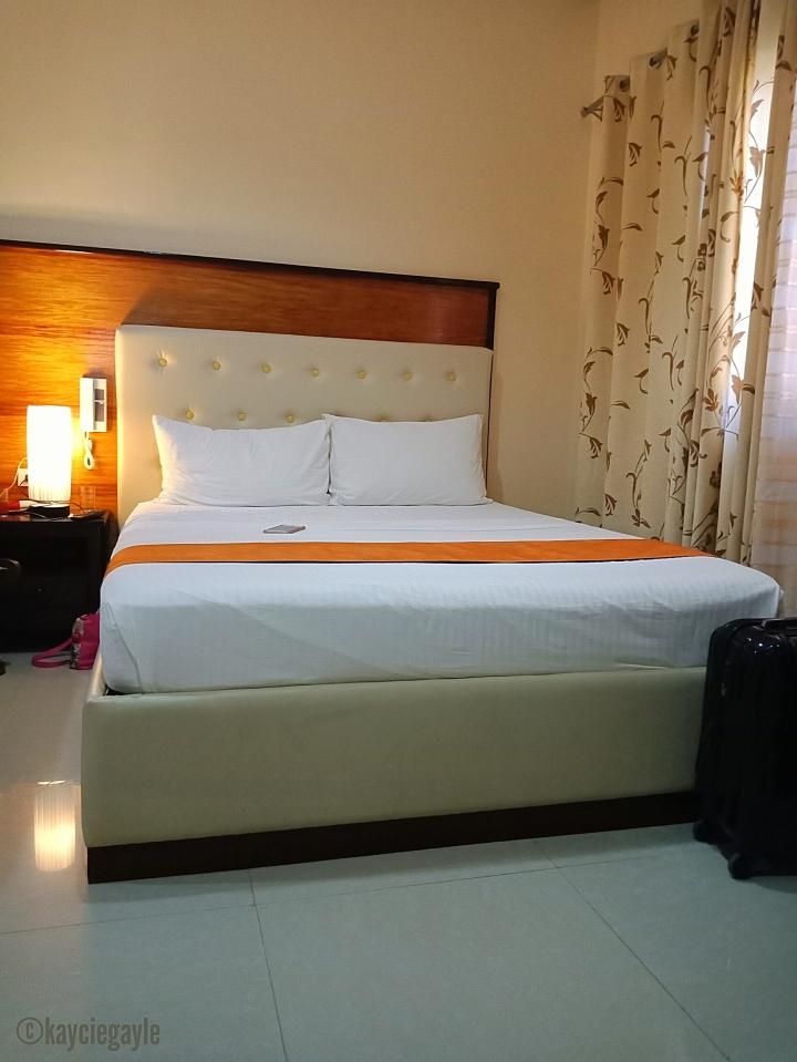 bed -  rema tourist inn - palawan misswoman.co